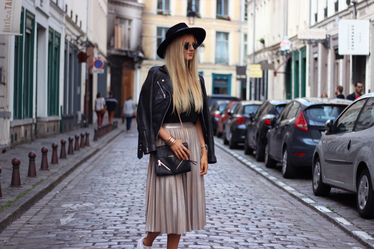 Zara Metallic gold skirt outfit mode tenue