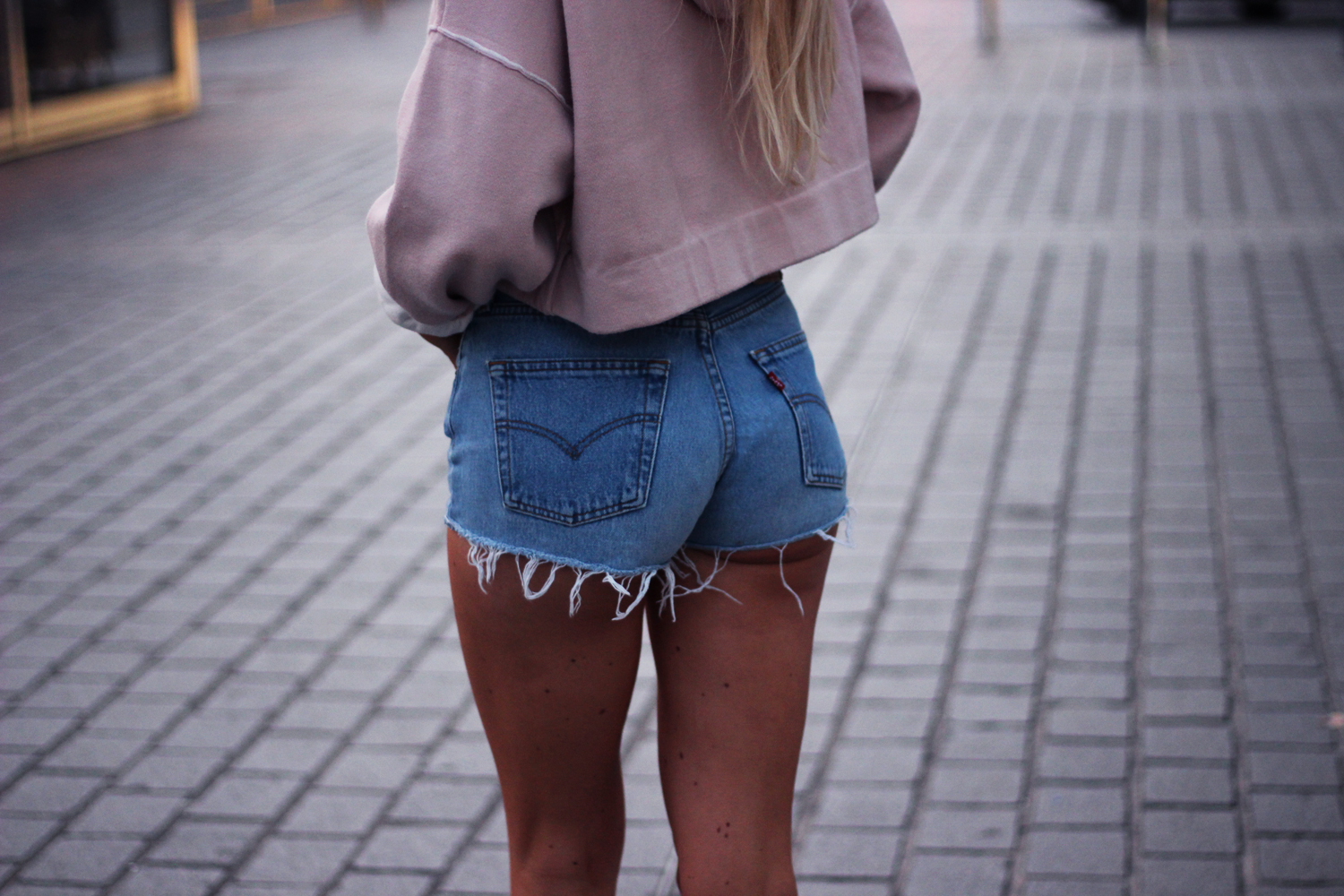 Pink hoodie sweat rose Zara blog mode Jess Me Up short Levi's 501