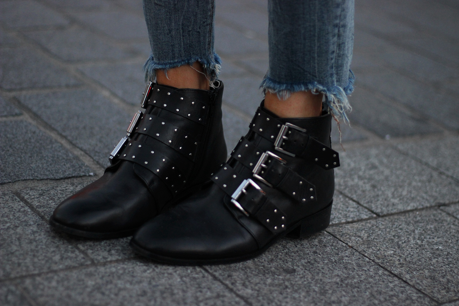 Bottines cloutees Ashleigh leather studded lace up boots