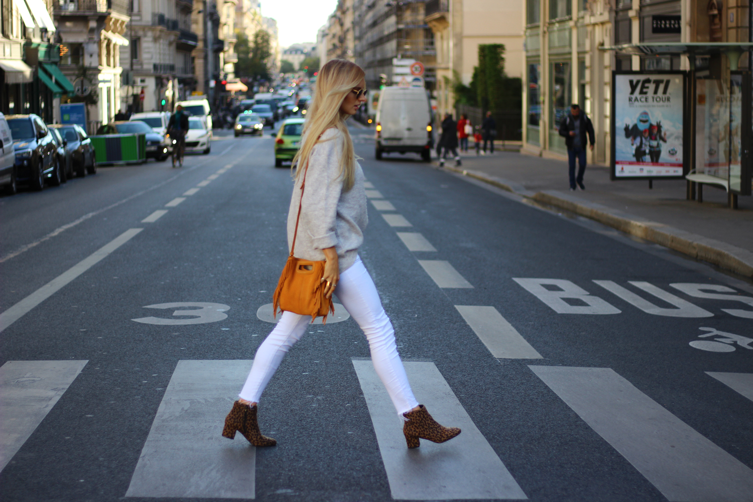 Look mode Paris blog jean blanc pull oversize tendance
